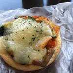 グラン グルトン - イタリア野菜のピザパン