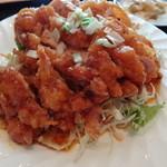 上海飯店 - ドデか盛り 油淋鶏