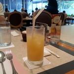 レストラン アンソレイユ - (2015年9月)アップルジュース 590円