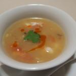 42158326 - 朱雀 辛くて酸っぱい海老入りスープ