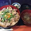 とりふじ - 料理写真:2015/9/18豚肉たっぷりスタミナ丼680円
