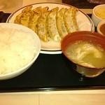 みよしの - ジャンボ定食餃子18個+ひとくちカレー