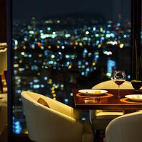 20階から望む煌びやかな大阪の夜景