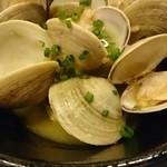 炭焼き 大 - 季節の貝の酒蒸し