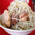 ラーメン二郎 - 豚入りラーメン(そのまま)