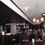 ザ シティ ベーカリー バー アンド バーガー ルービン - 内観写真:綺麗な店内