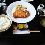 御食事&喫茶 喰亭 - とんかつ定食930円
