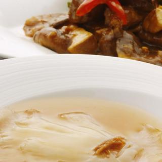 《天然フカヒレ》最高級吉切鮫の肉厚尾ビレ