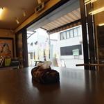 芳川屋 - 店内の様子