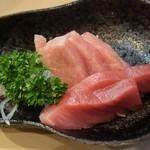 百万両 - 料理写真:マグロ刺身800円
