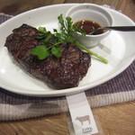グリルド エイジング・ビーフ - シンシン。赤身だけど、ほどよいサシも入り、肉の旨みもあり美味しい!