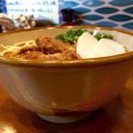 沖縄そば食堂 海辺のそば屋 - 軟骨ソーキすば、並