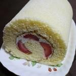 ナカタヤ - 苺のロールケーキ