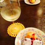 アンジェロ&ミカエル - 料理写真:ワインとチーズのデザート
