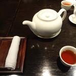 過門香 - テーブルセット
