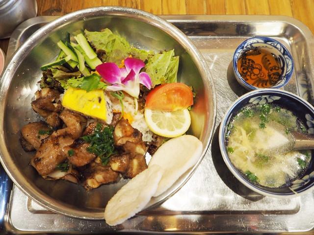 https://tabelog.ssl.k-img.com/restaurant/images/Rvw/42349/640x640_rect_42349862.jpg