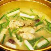 和歌山産 朝引き紀州鶏のタッカンマリ(5~10月は3日前までにご予約ください)