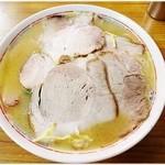来頼亭 - チャーシュー(小) 680円 まろやかスープとしょっぱめのチャーシューがほどよくフィット♪