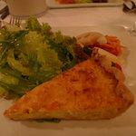 ル・マルカッサン - 料理写真:ずわいカニのキッシュ