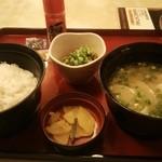 ジョイフル - 料理写真:豚汁朝食(納豆) 422円(税込)
