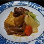 42600574 - 煮付け盛合せ:三枚肉・ソーキ・てびち・島豆腐