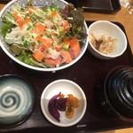 42612862 - サーモンタルタル丼(¥880)
