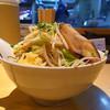 麺歩 バガボンド - 料理写真:炙りチャーシュー麺の力島コール(大、白、ニンニクマシ、ヤサイマシマシ)