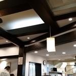 本家しぶそば - よくみるとデザイン性の高い天井