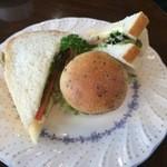 カフェノア - 天然酵母のパンはとても柔らかい!