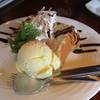 アクア パッツァ - 料理写真:アクアパッツア バナナシフォンケーキ+バニラアイス 430円