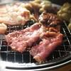 ホルモン食堂 - 料理写真:焼くべし焼くべし!