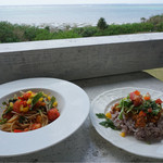 プカプカ - 本日のパスタ アサリと自家製食べるオリーブオイルペペロンチーノとタコライス