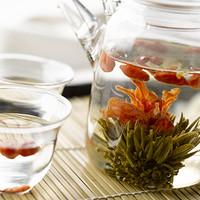 樹齢300年以上の古茶樹から茶葉を摘んだ「古樹茶」
