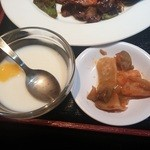龍記 - 杏仁豆腐・ザーサイ