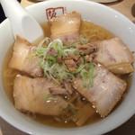 坂内 - ラーメン 細麺 650円