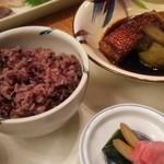 季一遊 - 料理写真:夕食の雑穀米と金目鯛の煮付けです。
