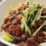 タンメン でこ - ジャージャン麺・無骨な太平麺にキャベツともやし、特製肉味噌のまぜそば