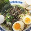 らーめん四郎 - 料理写真:大抵、看板メニューの『九州男味しろうらーめん』。こんなに盛り沢山のラーメンがなんと700円とはリーズナブル!