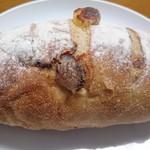 パン工房ペルミオ - クランベリーチーズ