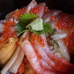 おけしょう鮮魚の海中苑 - 料理写真:(2015/09/26)海鮮丼(海)