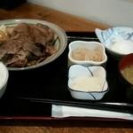 ごはん屋進 - 鳥取和牛のすき焼き定食(ダブル)