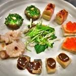 時分時 - 蛸の酒盗のせ、椎茸フォアグラバター他の串焼き5種