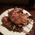 もつ焼 高松屋 - カシラ、ハツ、なんこつ