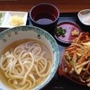 うどん喜多夢楽 - 料理写真:ハーフ&ハーフの「温」とオホーツクかき揚げ