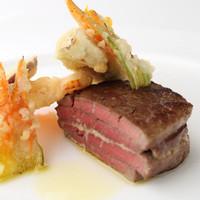 KEISUKE MATSUSHIMAスペシャリテ 和牛のミルフィーユ仕立て、わさび風味