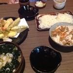 味のいち藤 - 天ぷらの盛合せも味付きご飯も美味