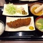 万年 - ヒレ定食900円