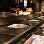 椎名牧場 - 立ち食いカウンター☆