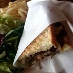 オールウェイズ - 牛肉と野菜の炒めたサンド