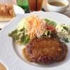 夙川 五感で楽しむイタリアン&カフェ トリニティ - 料理写真:一番人気!!究極のハンバーグとオーガニックスープのランチ